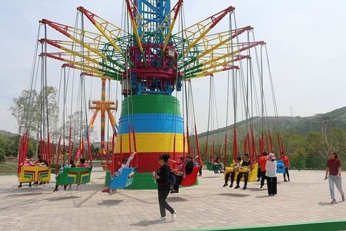 36P Drop Tower Amusement Ride With Rotating Flying Chair And Jumping Off Machine
